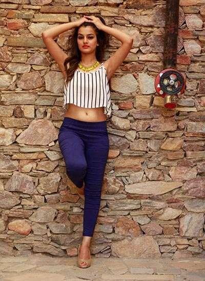 32dab883939df Priyanka Purohit