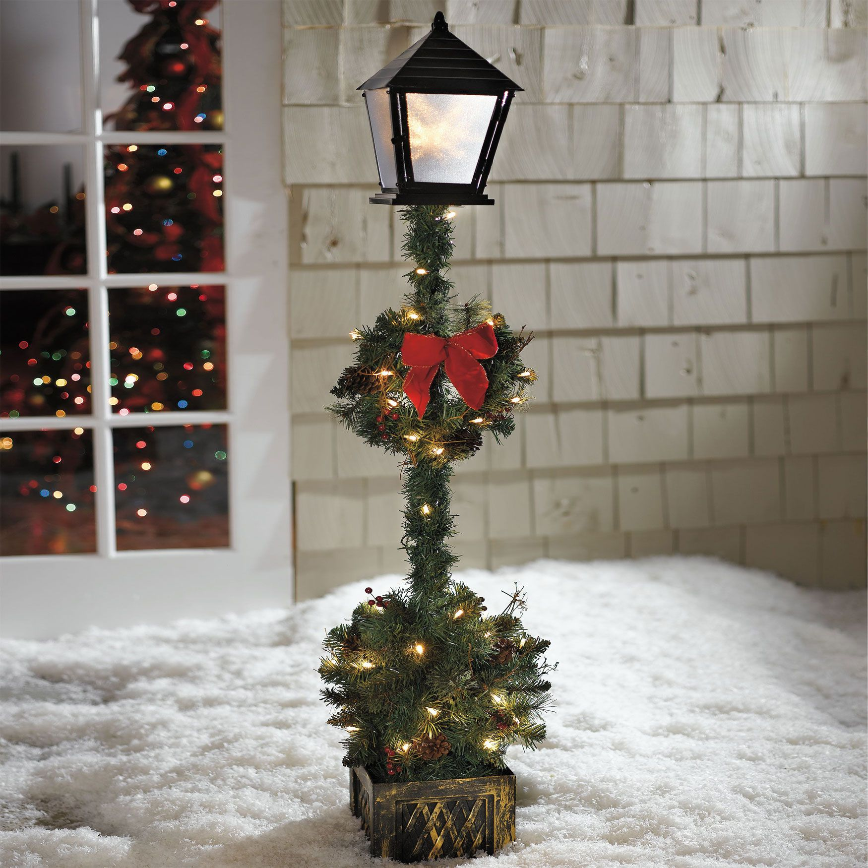 cordless 5 lamp post topiary outdoor christmas decor - Outdoor Christmas Lamp Post Decoration