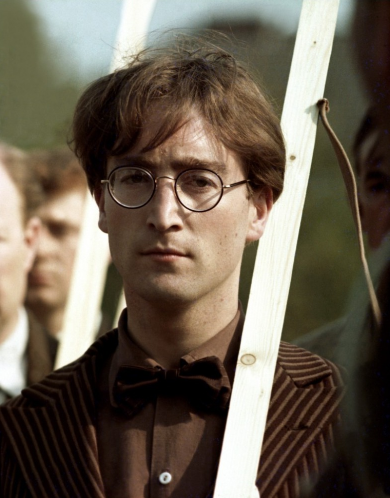 John Lennon Looked Odd In Late 1966 With His Beatles Haircut Intact And Glasses John Lennon Lennon Beatles John