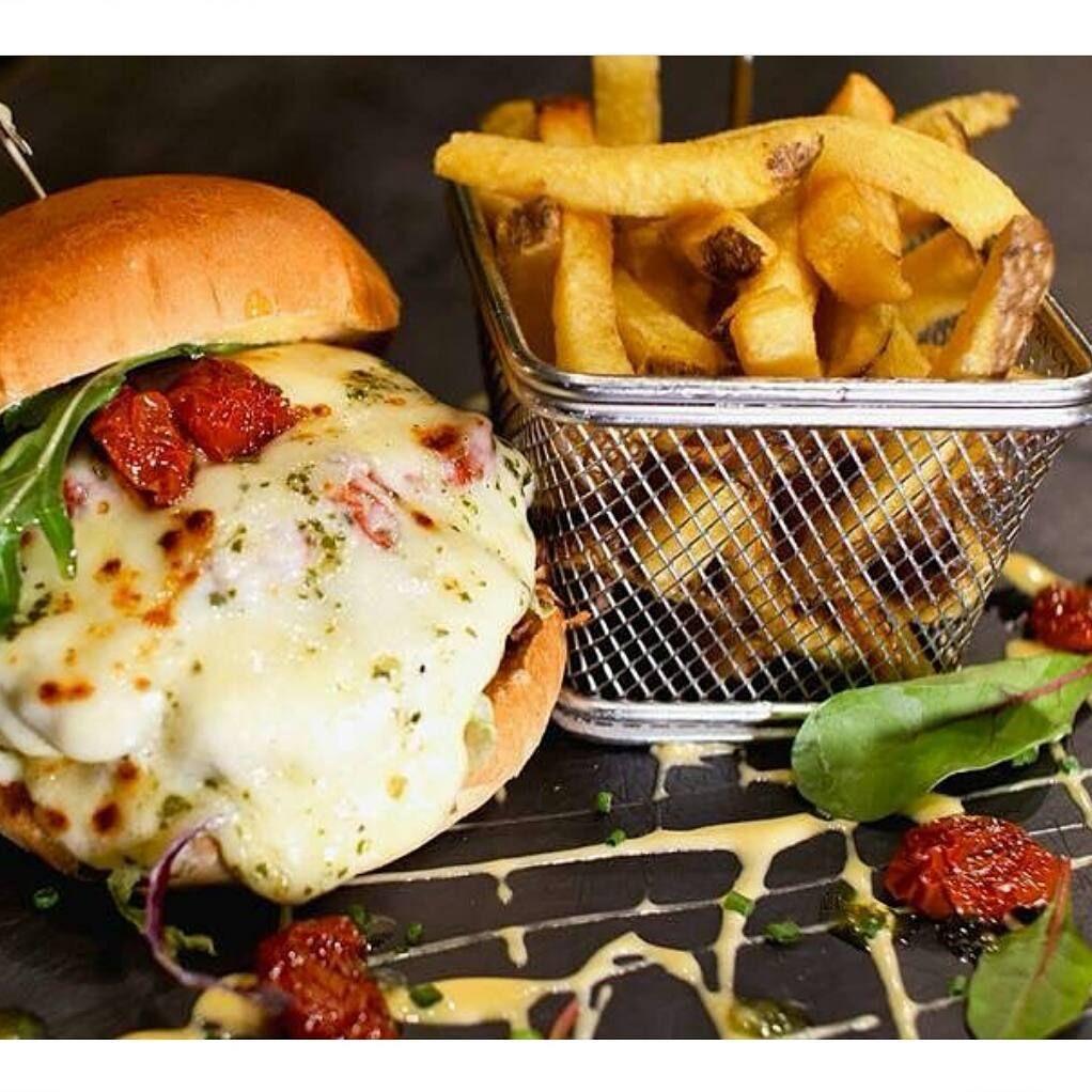 Cornergrillclichy Paris Halal Restaurant Restauranthalal Clichy Parisfood Paris Food Food Halal