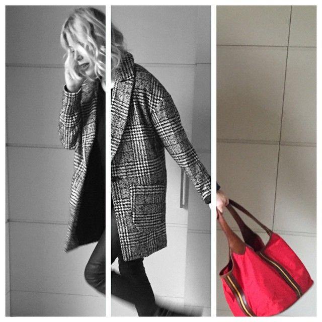 #AlessiaMarcuzzi Alessia Marcuzzi: Nuovo post su lapinella.com ❤️❤️❤️ un tocco di rosso per san valentino! #lapinellainlove