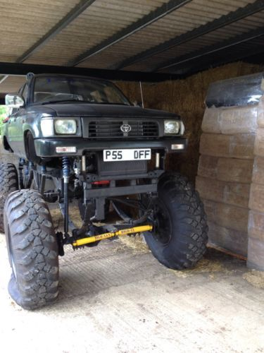 Toyota Hilux Monster Truck Off Roader 4x4 Street Legal Picapes