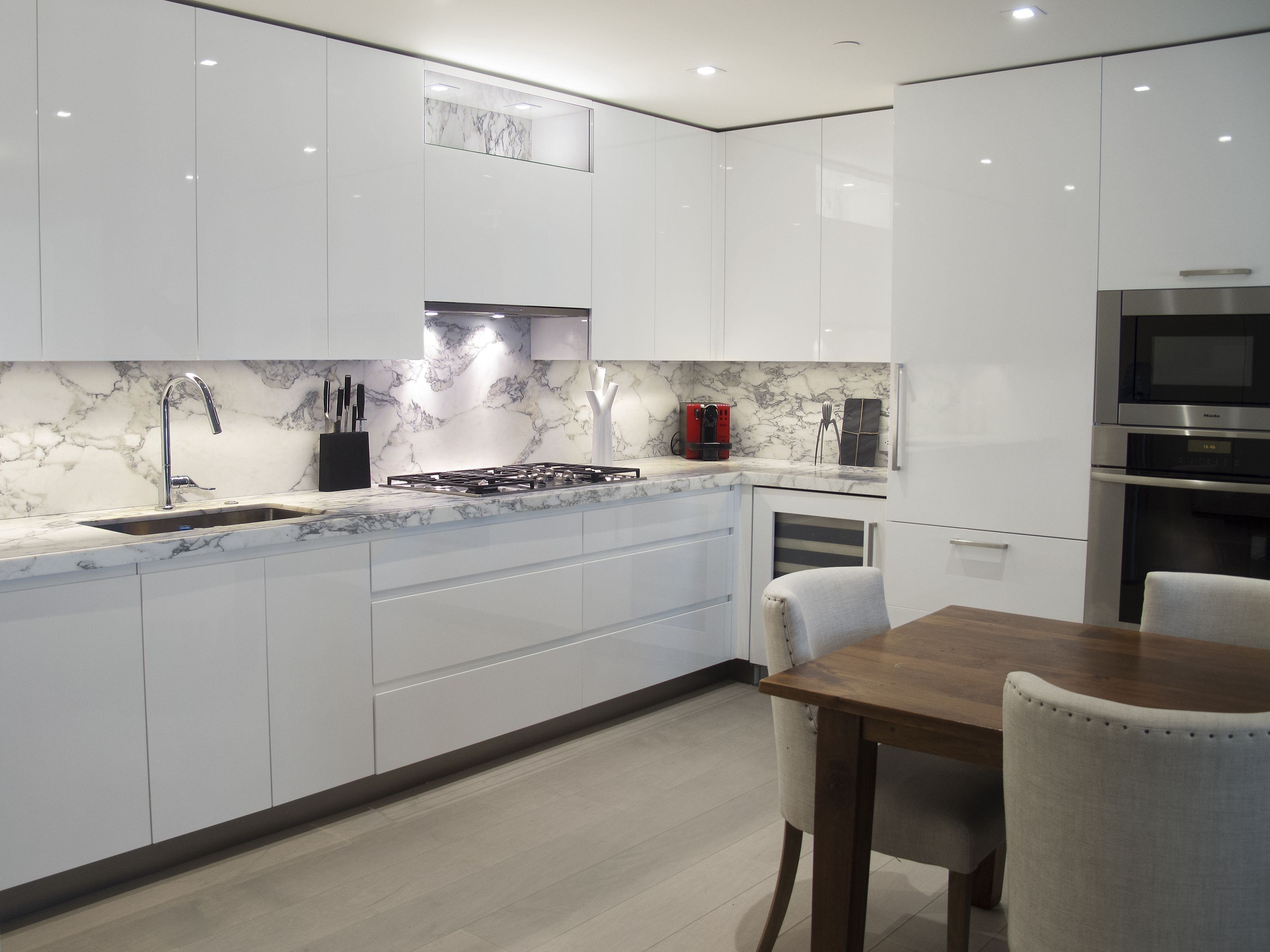 Image Result For White Gloss Cabinets With Marble Backsplash