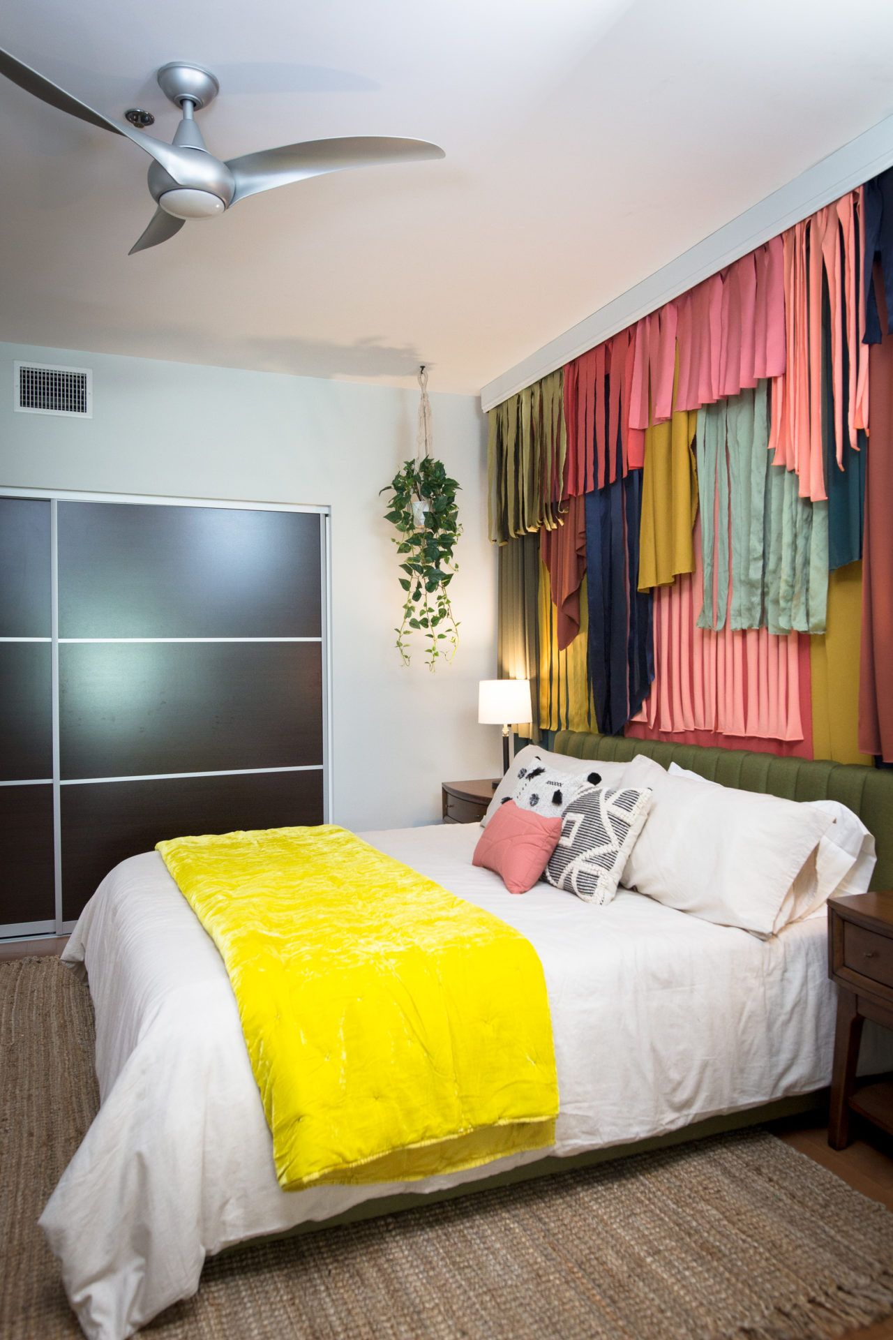 Andrea Russett S Colorful Room Makeover Guest Bedroom Makeover Room Makeover Room Colors