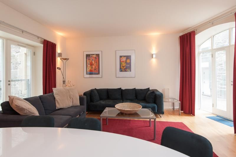 Edmonstone Suite, Old Town, 250 metres to Edinbu in Edinburgh