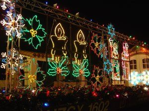 thinking of doing a santa clarita christmas light tour with the kids this december scv