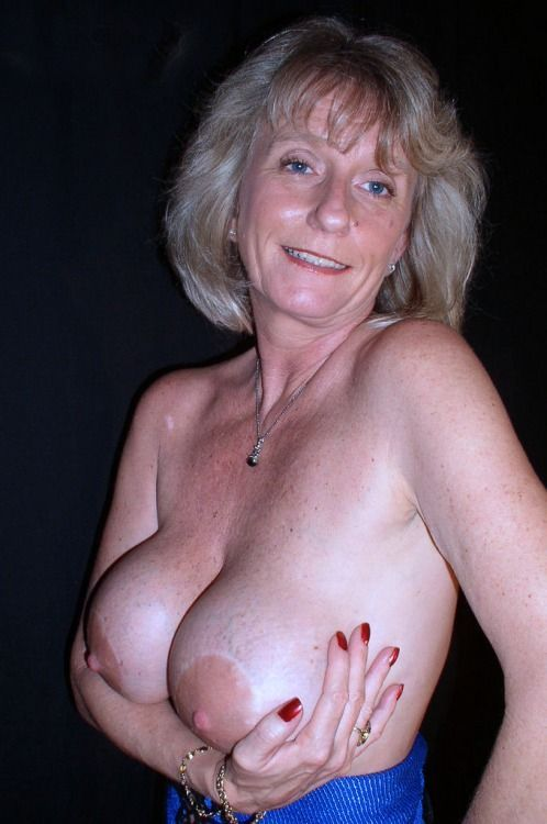 Old Mature Woman With X Large Tits 79