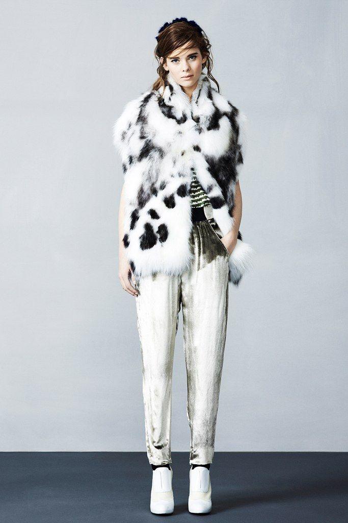 Fendi Pre-Fall 2012 Collection Photos - Vogue