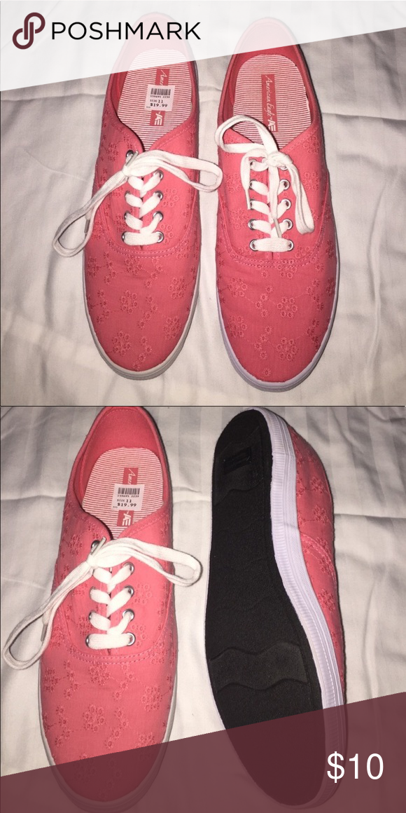 Payless low top sneakers size