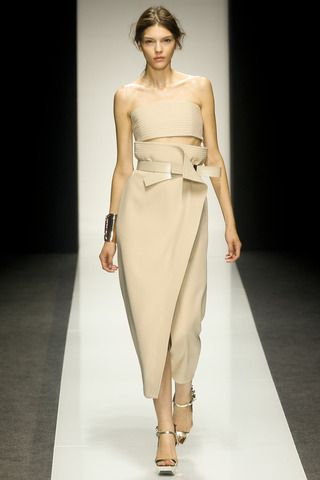 Gianfranco Ferré Spring 2014 Ready-to-Wear Collection Slideshow on Style.com