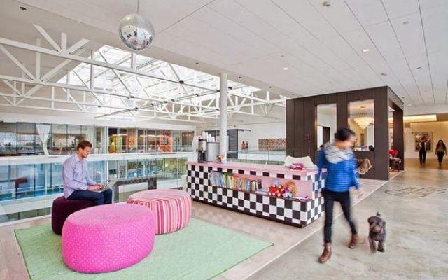 In questi uffici a lavorare..ci corro! #lavoro #luoghi #di #lavoro #facebook