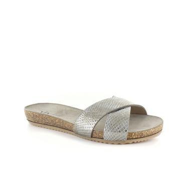 Verwennerij, beauty en comfort in één met deze zilveren slippers van Via Vai