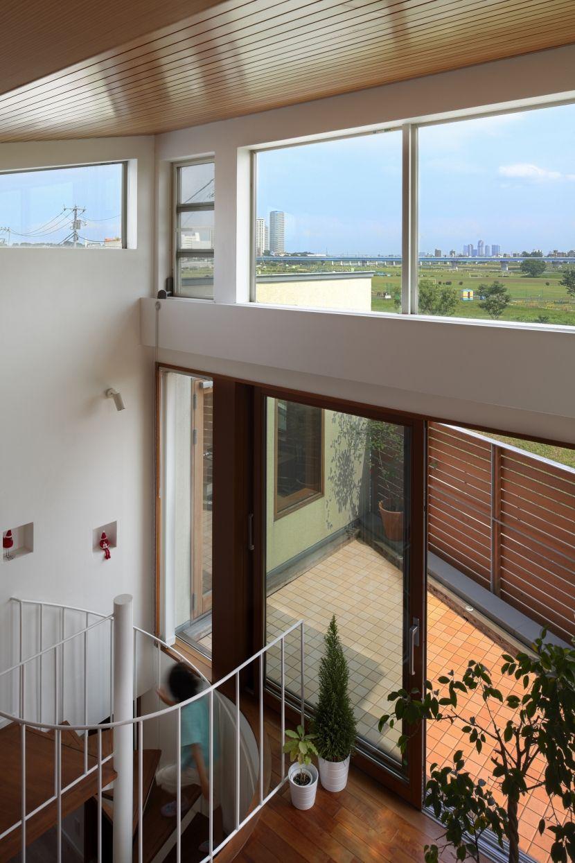 ロフトからの景観(眺めの良いルーフテラスの家) - リビングダイニング事例|SUVACO(スバコ)