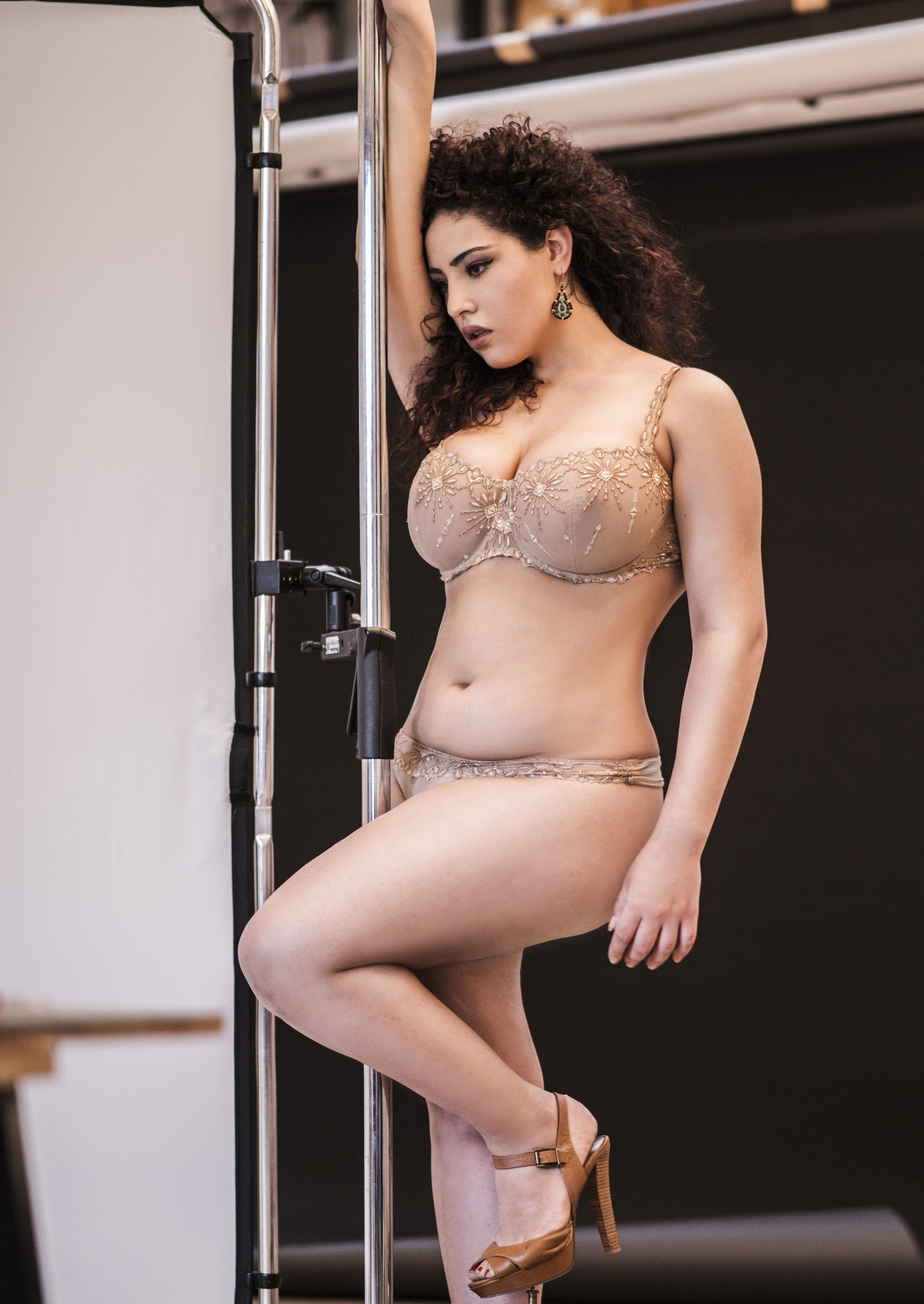 Esther Anderson Curvy Girl Lingerie Curvy Models Lingerie Chantelle Instagram Sexy