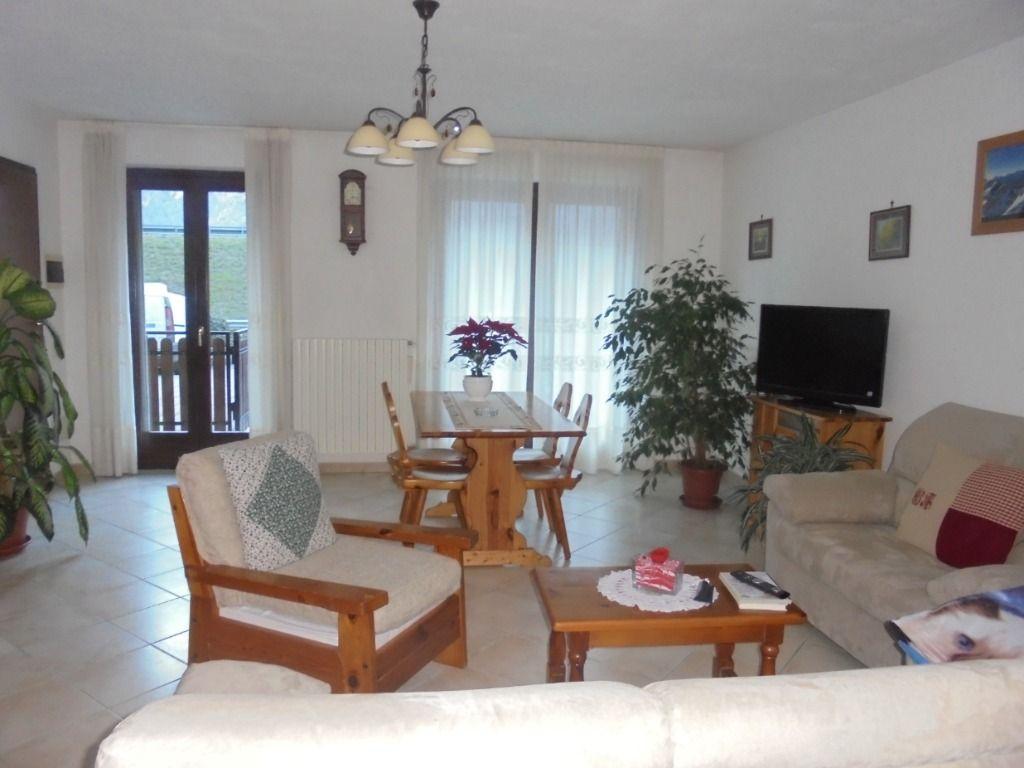 Bagno Con Zona Lavanderia : Appartamento al piano terra con ingresso in ampio soggiorno