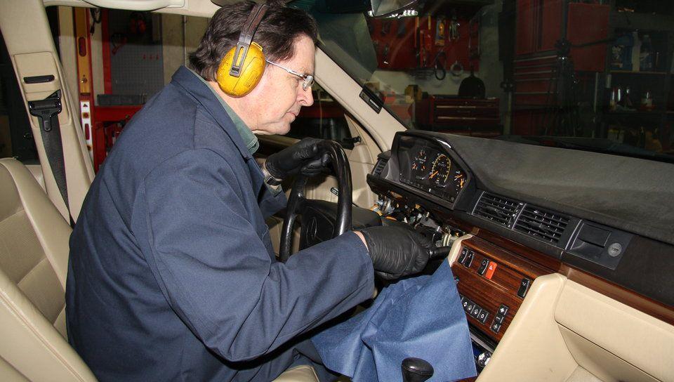 SELTAM – Find An Expert For Mercedes Steering Column Lock