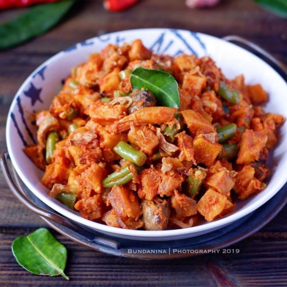 Han Matang E Jika Bumbu Sudah Meresap Dan Daging Ayam Matang Segera Angkat Ayam Rica Rica Bumbu Pedas Dan Sajikan 2 Di 2020 Makanan Pedas Resep Makanan Makanan