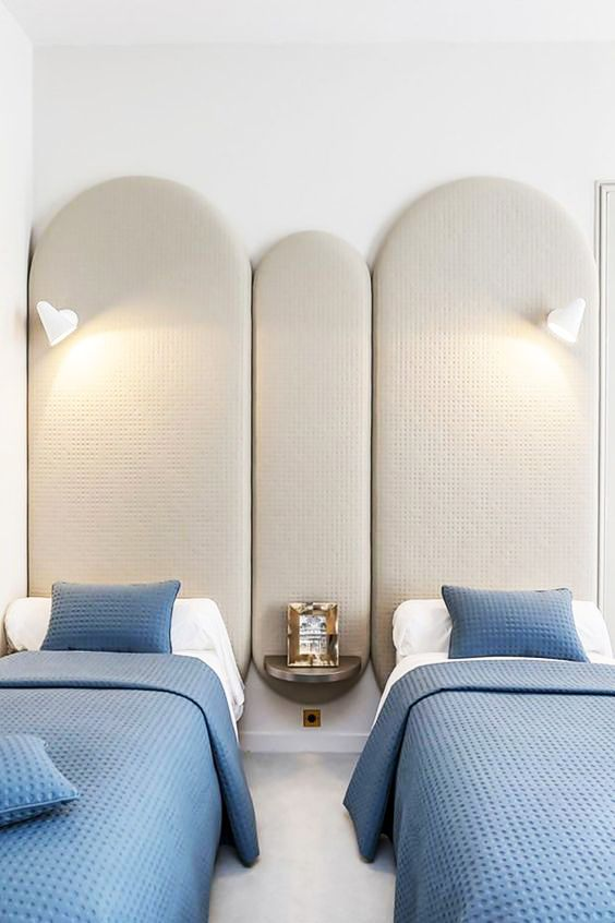 16 Rooms Doing Blue   White Differently   Twin beds, Twins and Bedrooms 58628e6cb92