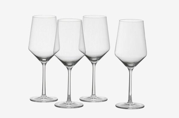 8 Best Wine Glasses 2018 Zalto Riedel Libbey The Strategist New York Magazine Wine Glass Plastic Wine Glass Fun Wine Glasses