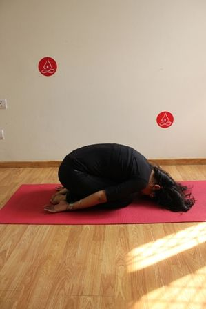 step 5  stay in this pose for up to a minute then bend