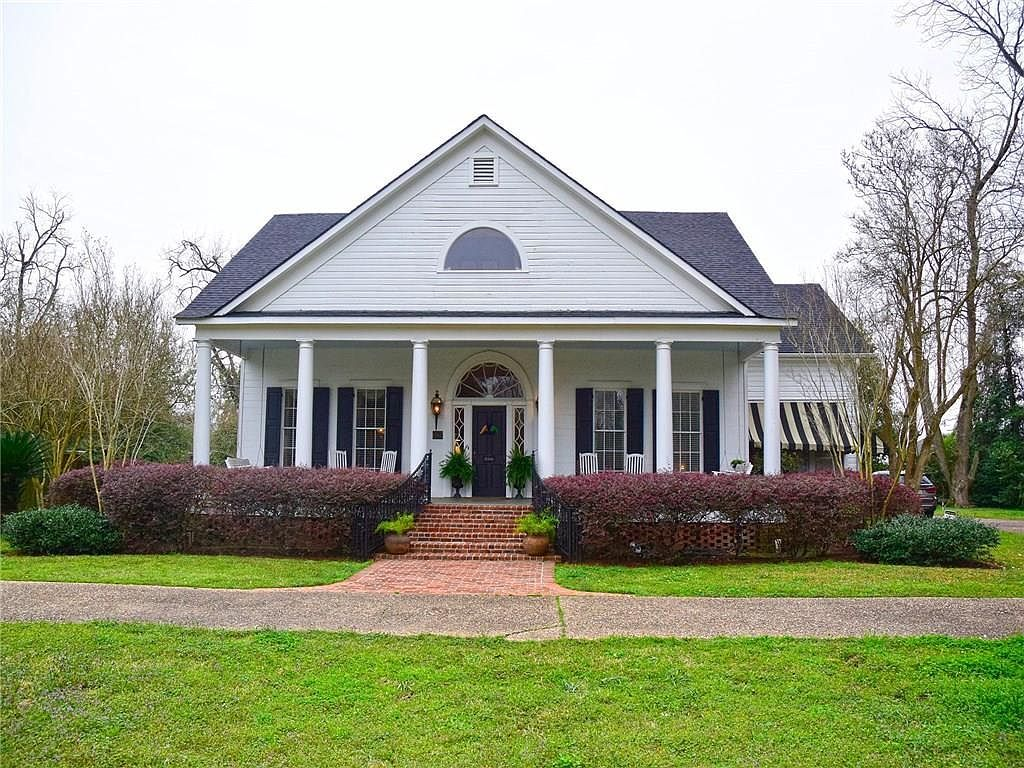 Best The Keegan House In 2020 With Images Old Houses For 400 x 300