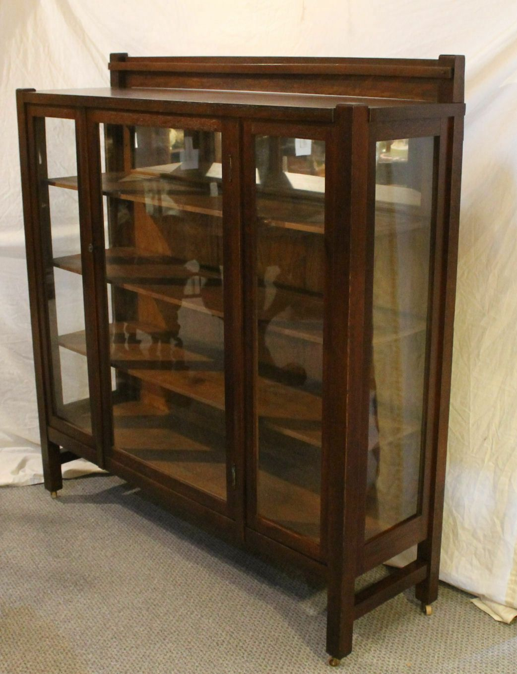 Antique Mission Oak China Or Curio Cabinet Arts And Crafts Style Plate Display Ebay Mission Oak Bungalow Decor Curio Cabinet