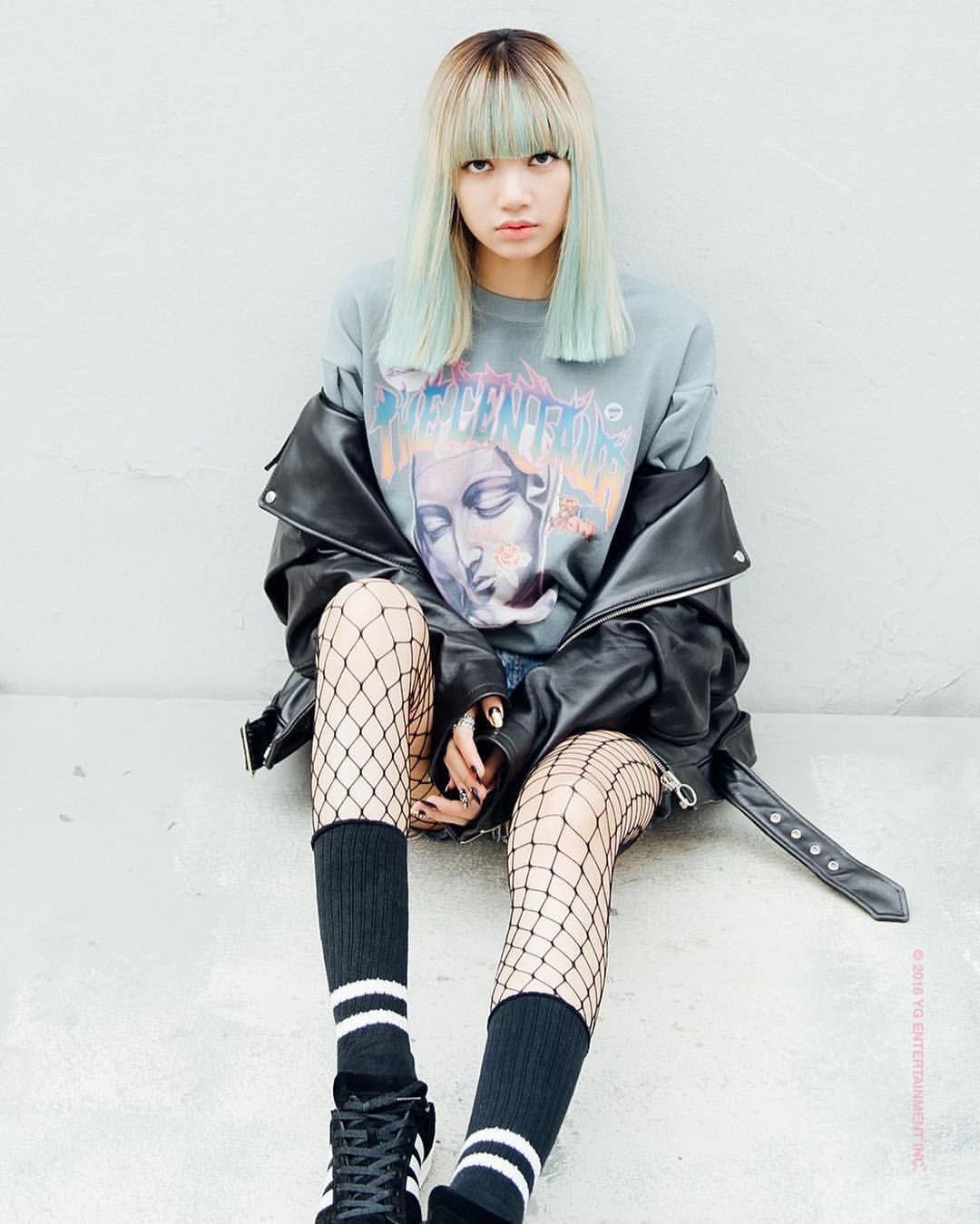 Blackpink Lisa stay mv   moda   Pinterest   Blackpink lisa Blackpink and Kpop