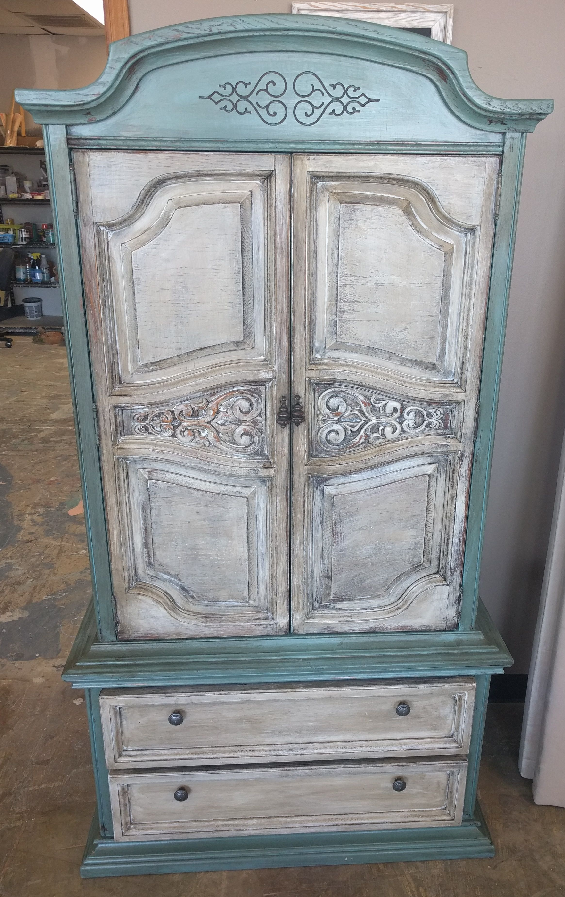 These Wardrobe Armoires Are So Handy When You Don T Have A Lot Of Space In The Bedroom What Do You Thin Shabby Chic Painting Shabby Chic Shabby Chic Furniture