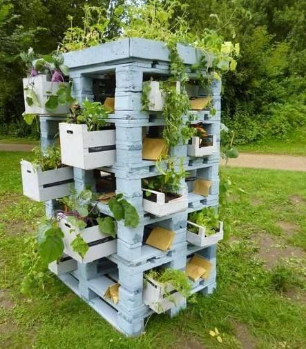 Jard n vertical de palets upcycled ideas de bricolaje for Jardin vertical con palets