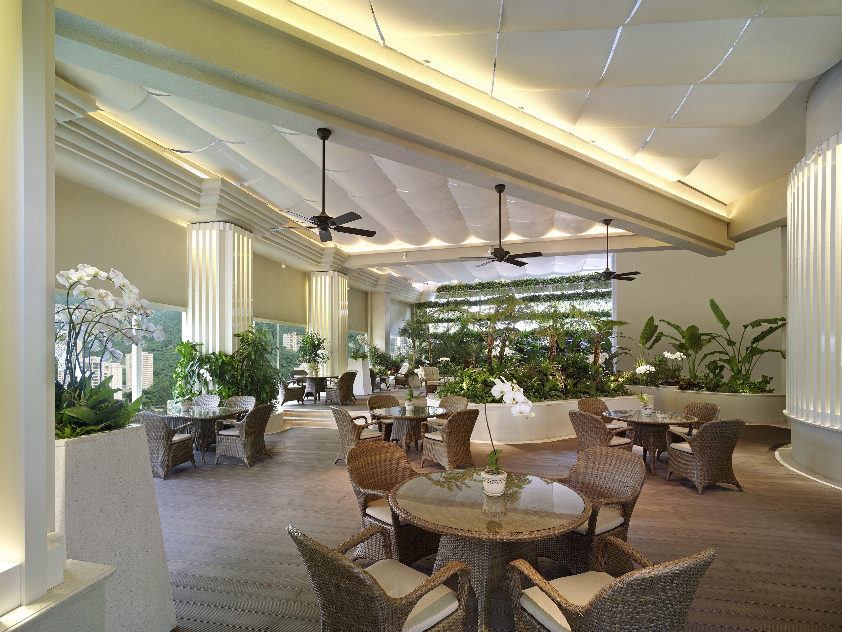 Roof Garden Island Shangri La Hong Kong Hotel Room