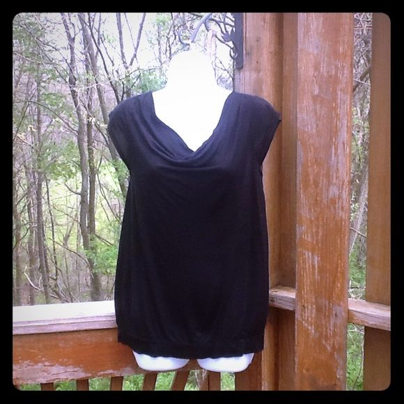 LOFT black sleeveless top Perfect for work or play LOFT Tops Tank Tops