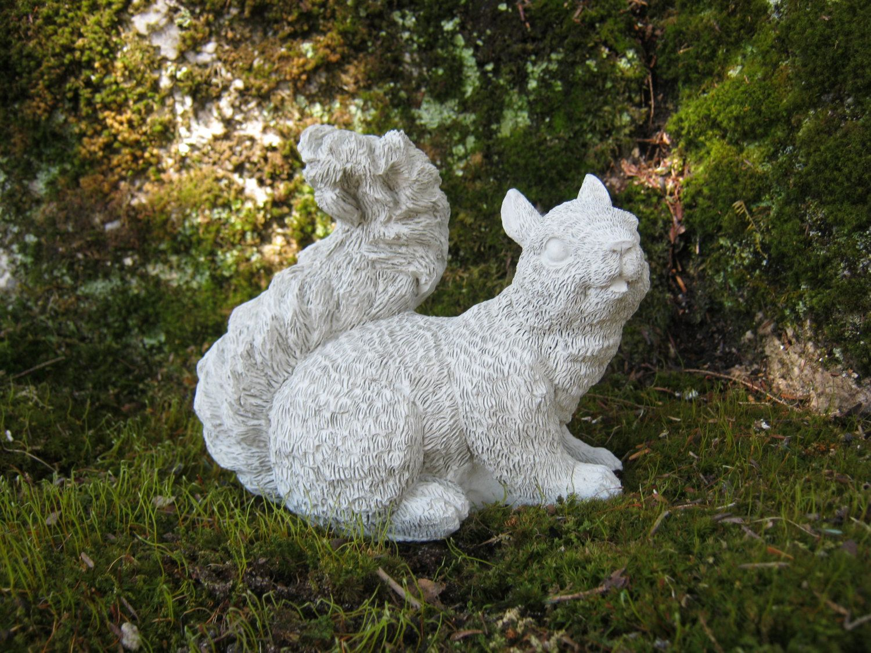 High Quality Squirrel Statue, Concrete Squirrel Figure, Squirrel Garden Decor, Concrete Garden  Statues, Cement