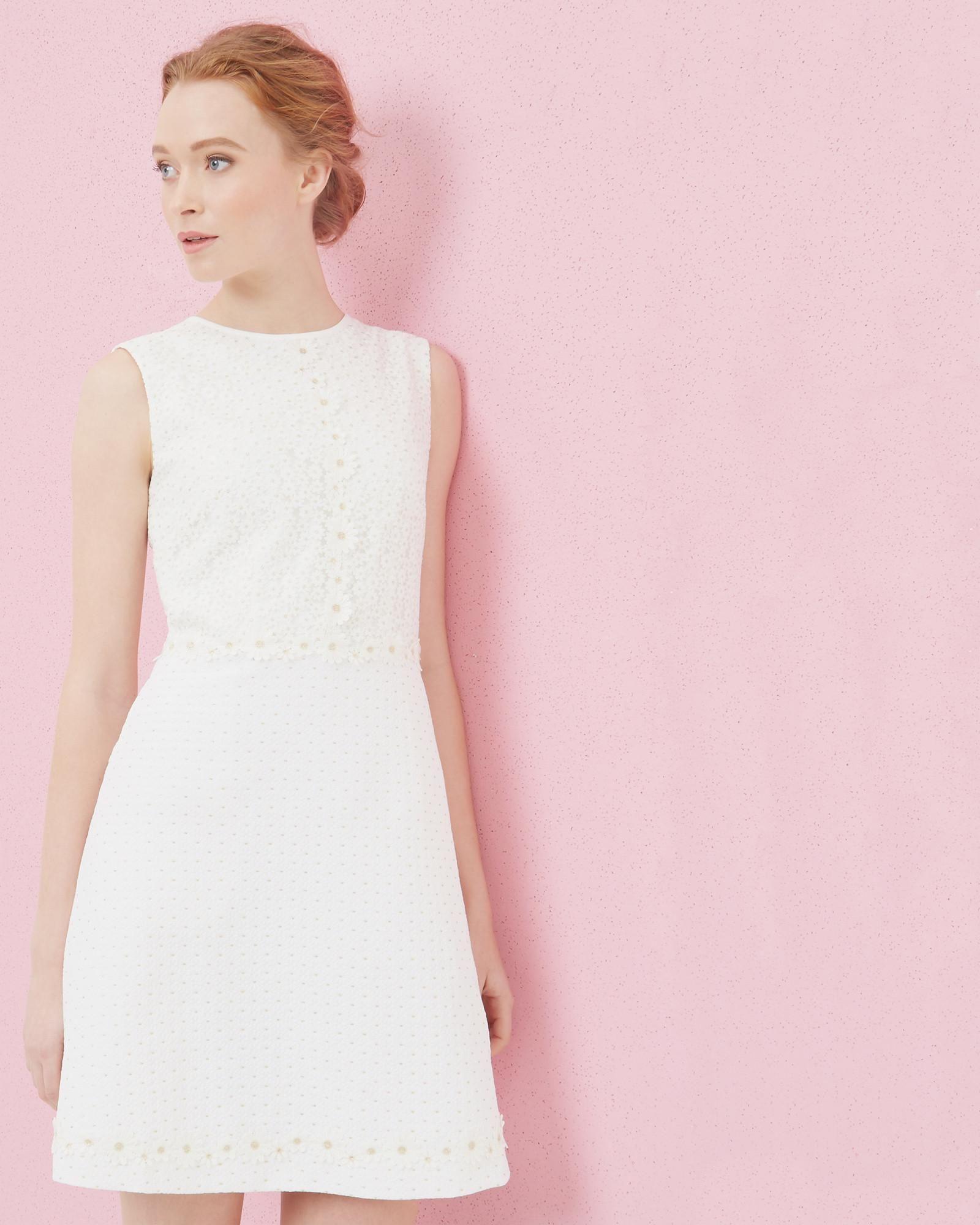 Ted Baker Florales Spitzenkleid in A-Linie Weiß  Hochzeitskleid