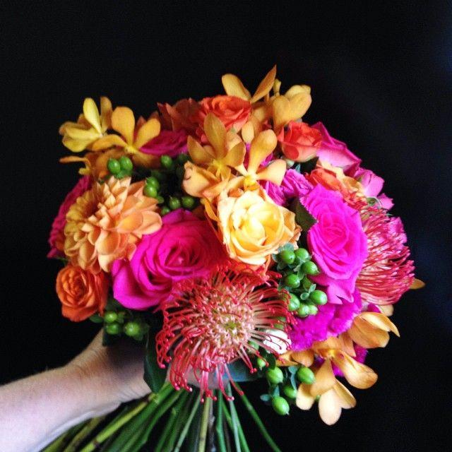 Instagram media by fleurieflowerstudio - Hot summertime shades! #centralvalleyeventflorist #bridesbouquet