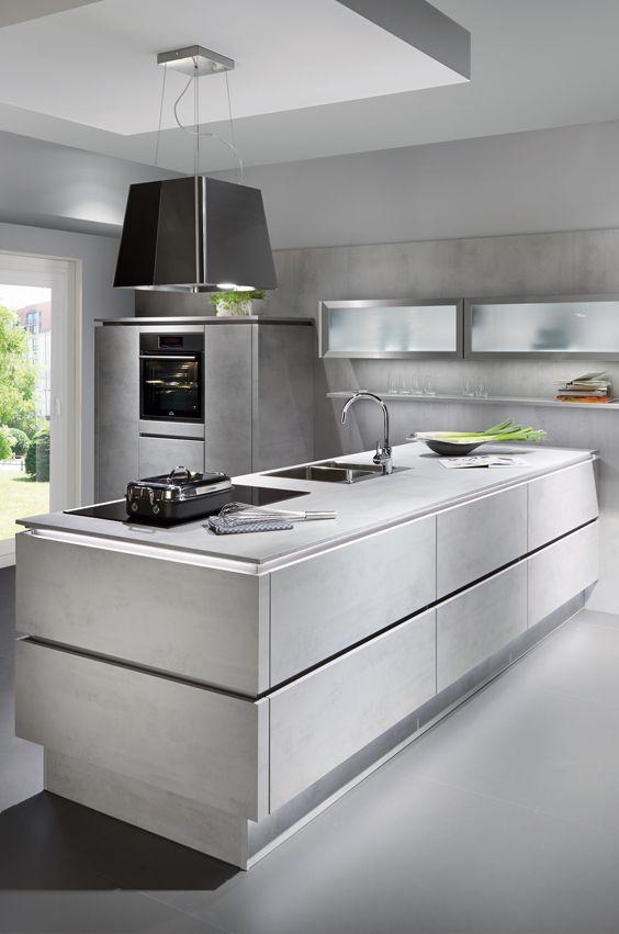 Kücheninsel mit grifflosen Fronten in Beton Dekor #contemporarykitcheninterior