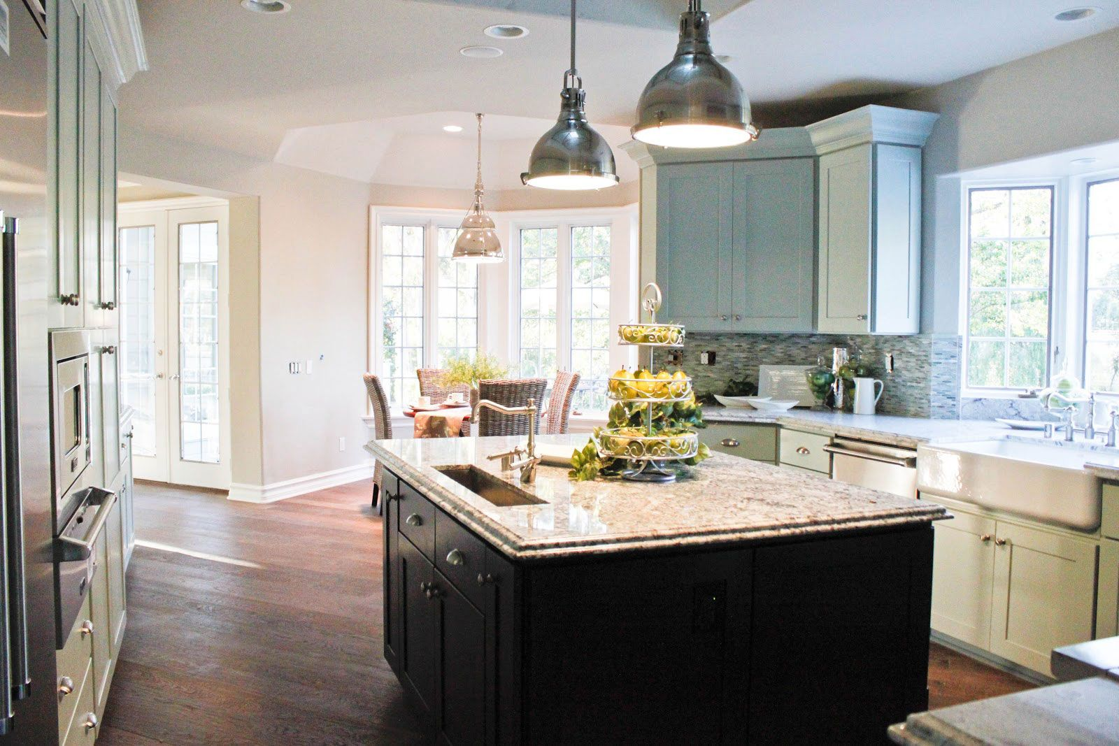 Incredible Traditional Tropical Kitchen Design Interior Decorated With Traditional  Kitchen Pendant Lighting And Marble Countertop