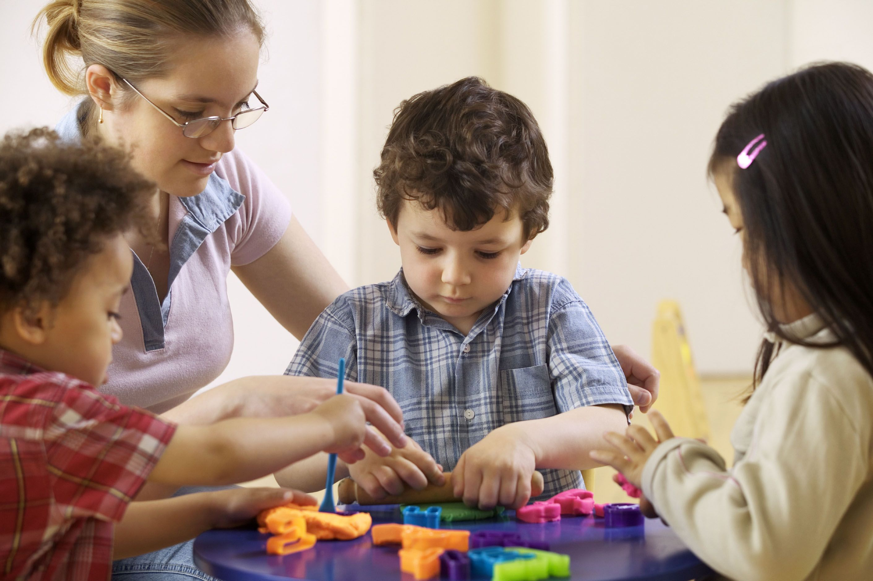 Kids with autism learn social skills through structured play
