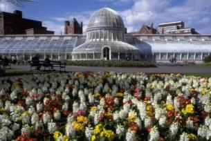 First established in 1828, the gardens have been enjoyed as a public park since 1895.