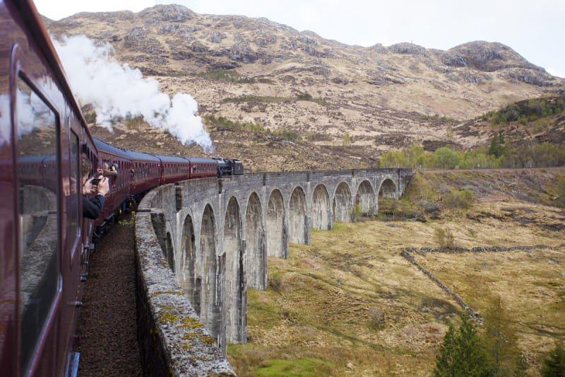 Dieses Ikonenhafte Viktorianische Eisenbahnviadukt An Der Spitze Von Loch Shiel War Zum Ersten Mal In Die Kammer Des Kammer Des Schreckens Hogwarts Schottland