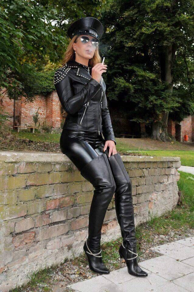 Smoking mature in leather