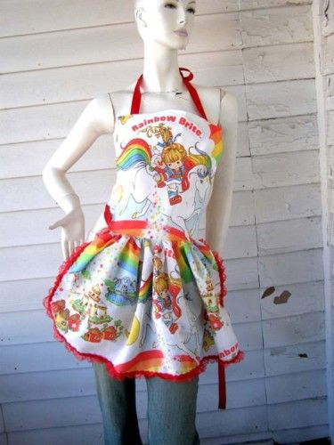Searching for 80's memorbillia on eBay can be dangerous as I am most certain that I NEED this apron.