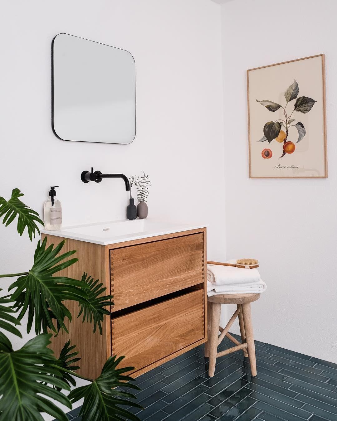 "Vellidte Focus Plus Aps on Instagram: ""Snedkerlavet badeværelsesmøbel i eg LG-78"