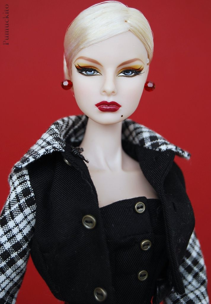1c2b5e2a8964 FASHION ROYALTY DRESSING THE PART AGNES VON WEISS NUDE DOLL