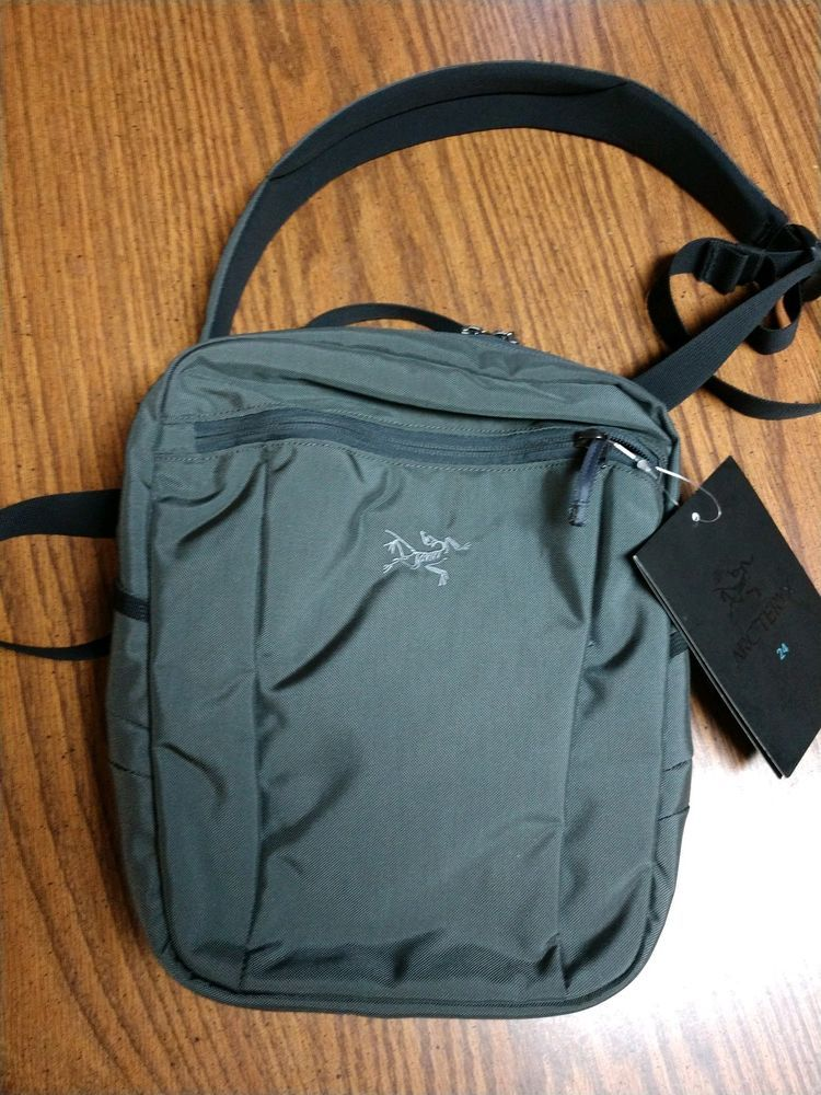 92d0d1fb452c Arcteryx SLINGBLADE 4 Shoulder Bag Pack PILOT Gray NEW w  Tags  fashion   clothing