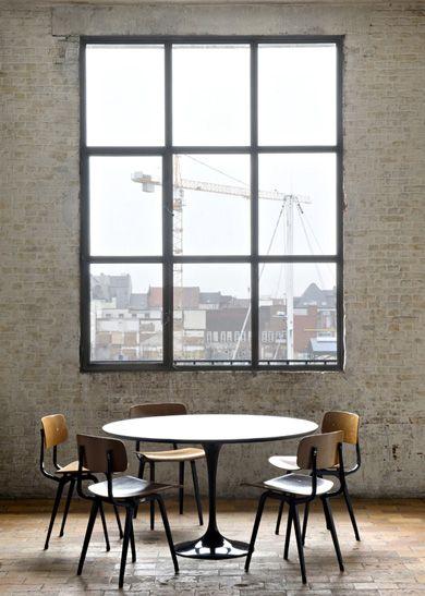 window, chairs