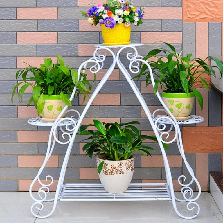 Exclusive wrought iron flower pots holder to draw your