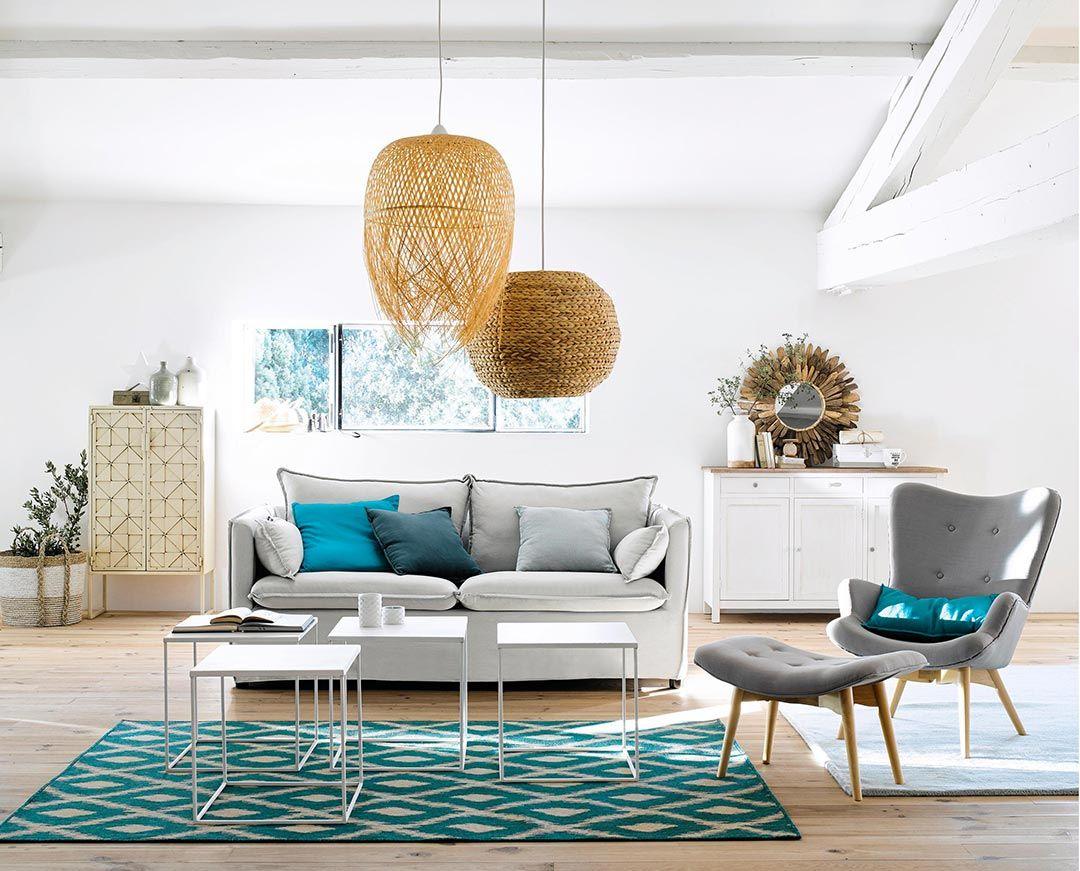 Arredare Casa Al Mare Con Divano Bianco E Accessori Mediterranei Idee Per Decorare La Casa Arredamento Salotto Grigio