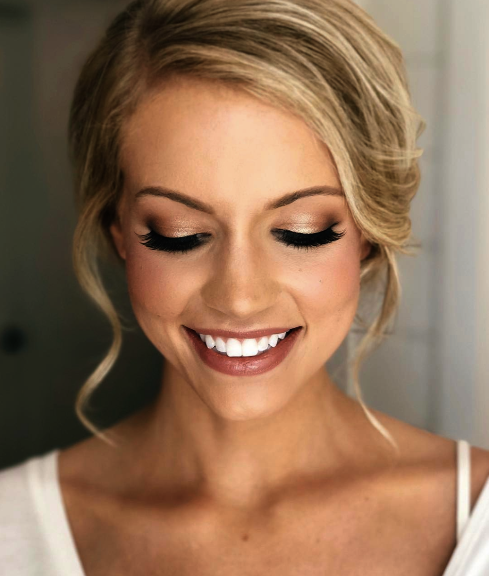 Makeup Looks To Go With A Blue Dress Upon Brown Smokey Eye Tutorial For Hazel Eyes Brown Eyes Blonde Hair Blonde Hair Makeup Wedding Makeup Looks