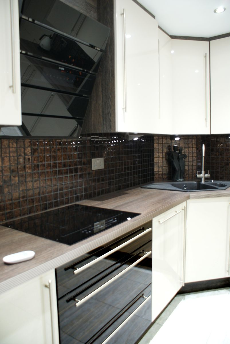Premier Kitchen design in Lincoln, Lincolnshire UK. For more information about kitchen design in Lincoln visit: http://www.premier-kitchens.co.uk