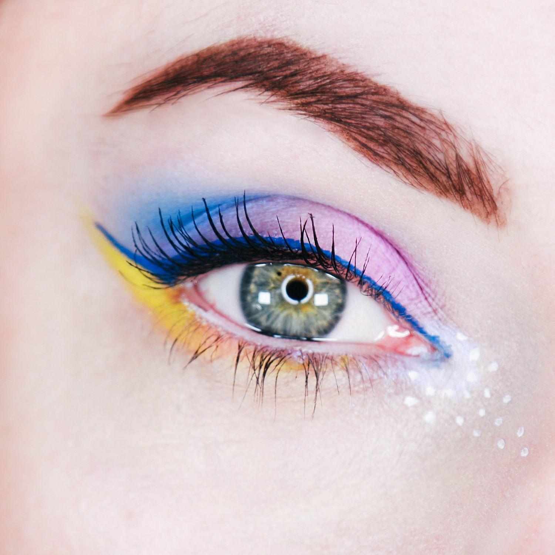 summer makeup festival with Pastel Goth palette by Kat Von